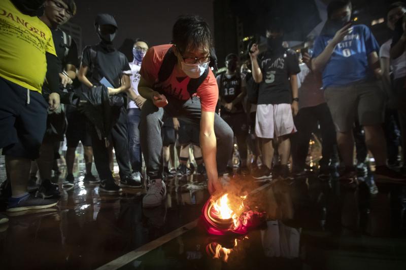 Hong Kong Protestors Burn LeBron James Jersey After His Daryl Morey Comments