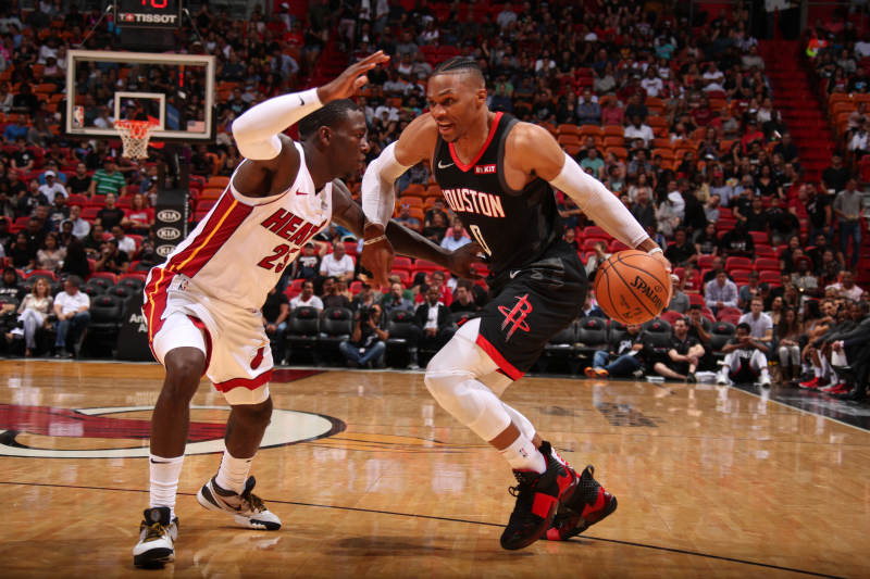 Russell Westbrook Suffers Hand Injury in Rockets' Final Preseason Game vs. Heat