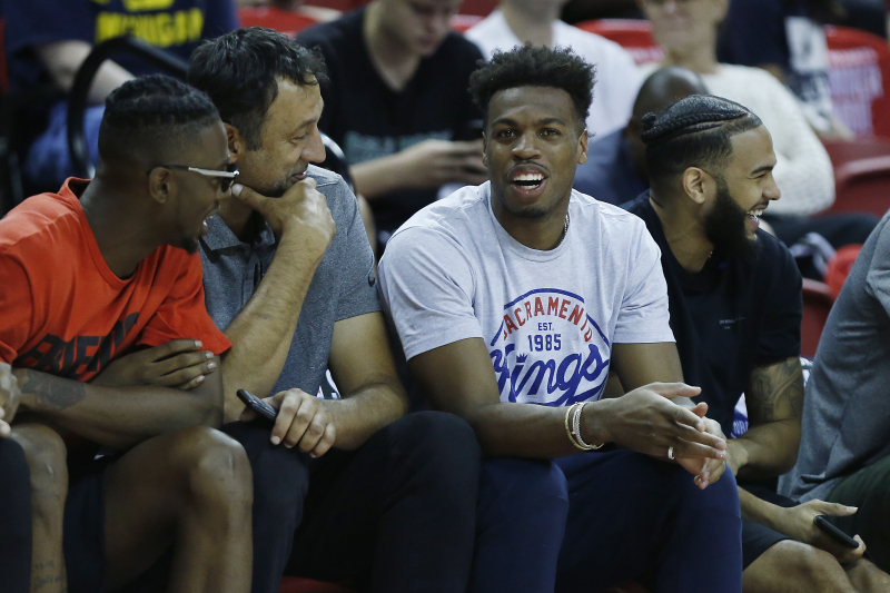Video: Kings' Buddy Hield Makes Money Sign at Vlade Divac Amid Contract Talks