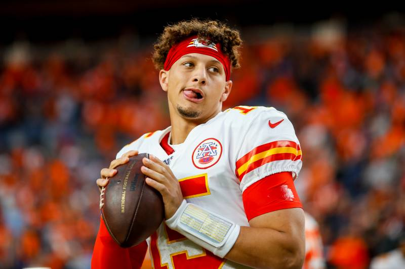 Patrick Mahomes Progressing Nicely After Knee Injury Per