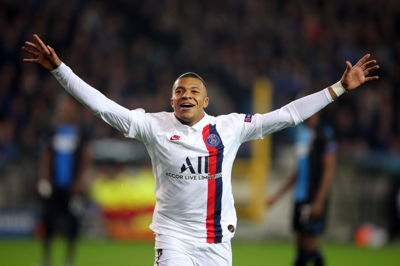 Thiago Silva Praises 'Magnificent' Kylian Mbappe After Record-Breaking Hat-Trick