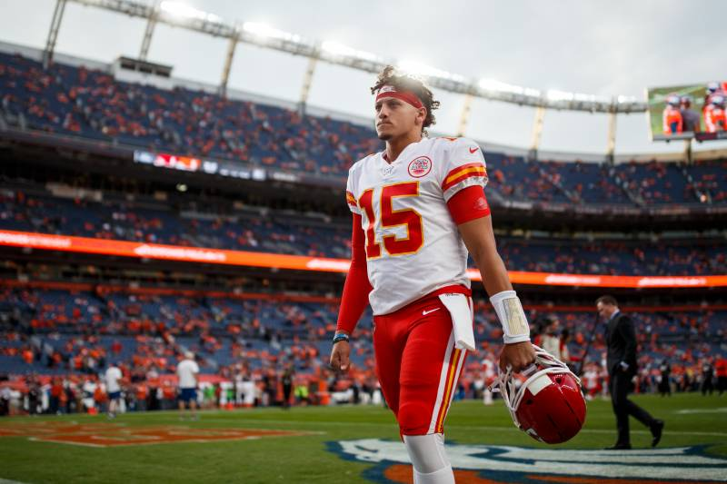 Report Patrick Mahomes Knee Structure Could Lead To Early