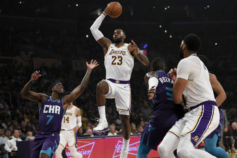 Anthony Davis Double Double Leads Lebron James Lakers To