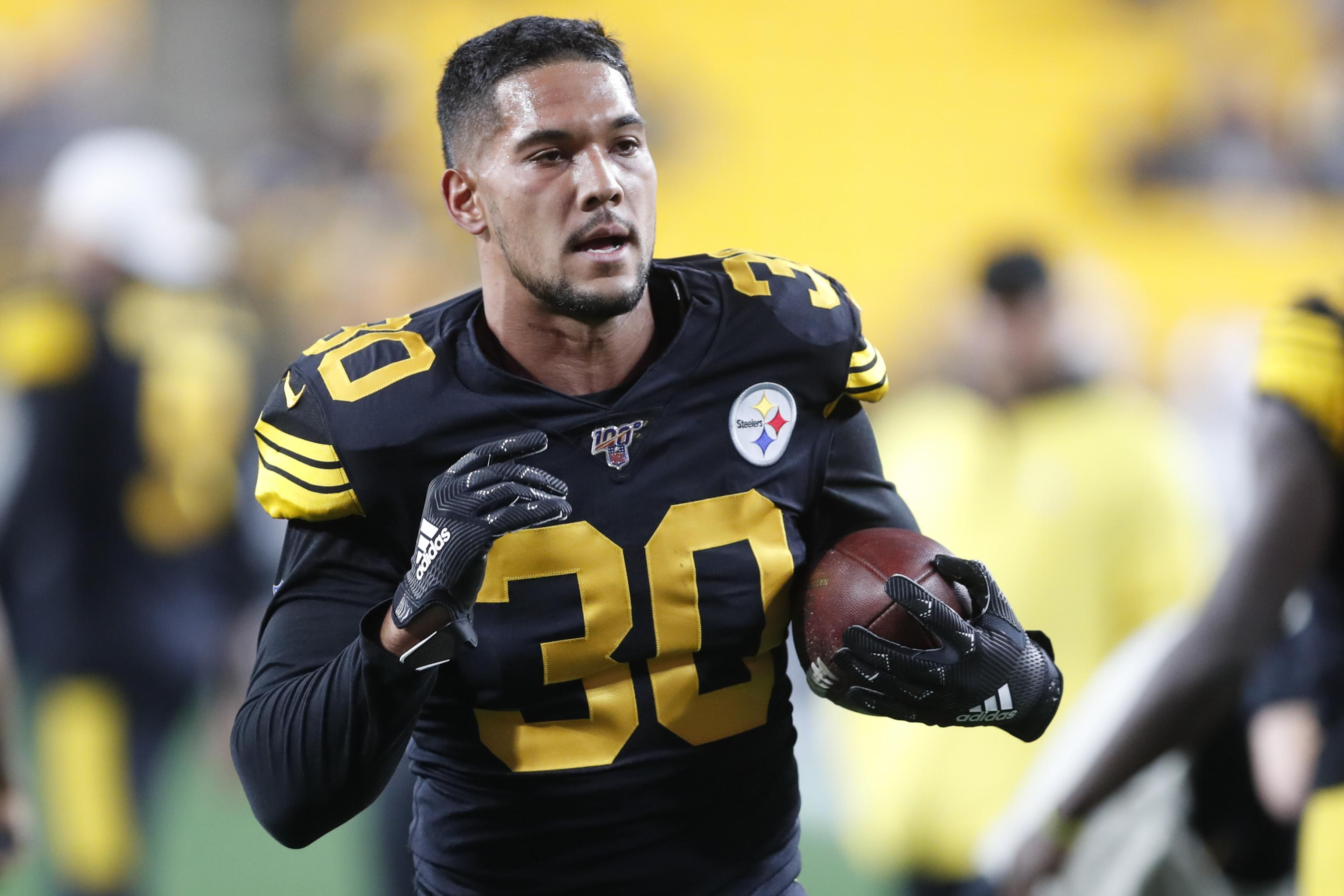 Steelers' James Conner Suffered Shoulder Injury vs. Dolphins, Says Mike  Tomlin | Bleacher Report | Latest News, Videos and Highlights