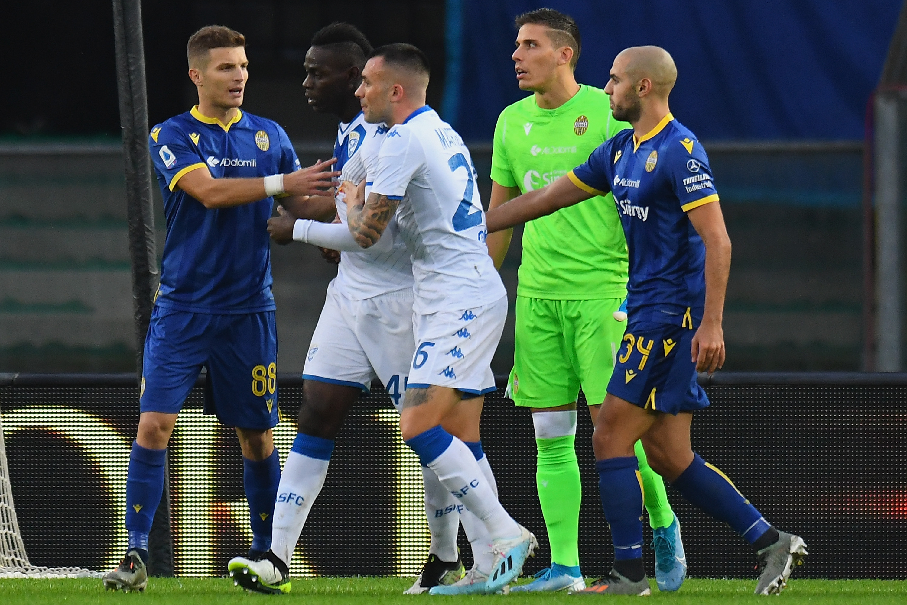 Brescia S Mario Balotelli Subjected To Racist Abuse Persuaded To Stay In Match Bleacher Report Latest News Videos And Highlights