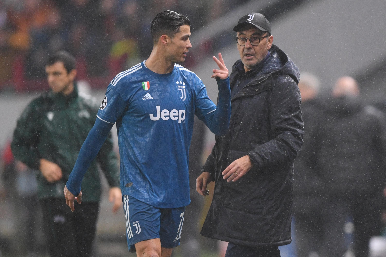 Maurizio Sarri Discusses Cristiano Ronaldo S Knee Injury Ahead Of Milan Clash Bleacher Report Latest News Videos And Highlights