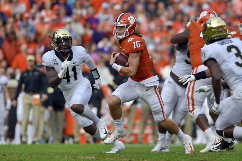 Trevor Lawrence Shines As No 3 Clemson Beats Wake Forest In