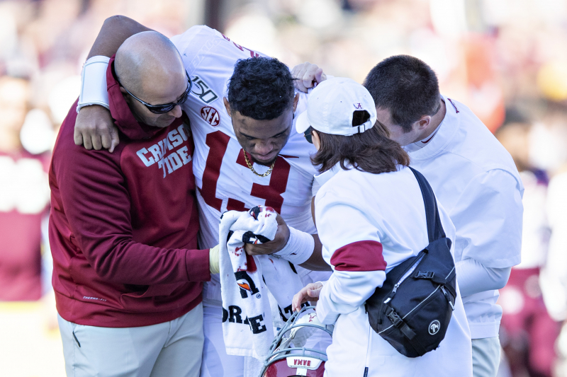 Alabama's Tua Tagovailoa to Have Surgery on Hip Injury; Full Recovery Expected