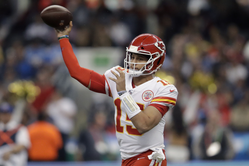 Patrick Mahomes, Chiefs Hold Off Philip Rivers, Chargers on MNF in Mexico City