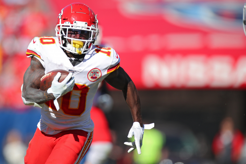Report: Chiefs' Tyreek Hill Considered Day-to-Day with 'Minor' Hamstring Injury