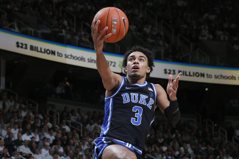 Duke's sophomore point guard, Tre Jones played very well as he helped lead his team to another victory in the college basketball season.  (Photo: Al Goldis/Associated Press via Bleacher Report.)