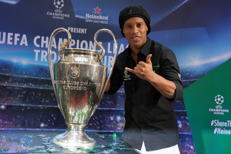 Kleberson: Ronaldinho Told Me He Was Joining Manchester United Before Barca Move