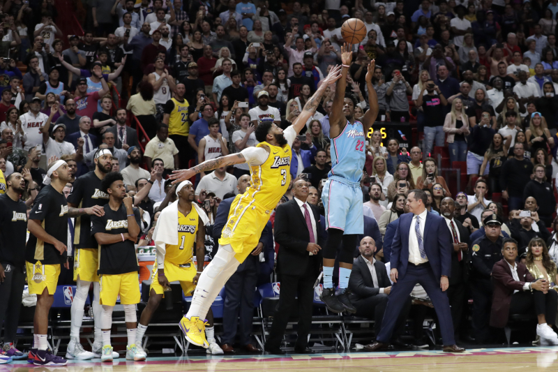 NBA L2M Report: LeBron James, Lakers Fouled Jimmy Butler Twice on Final Play