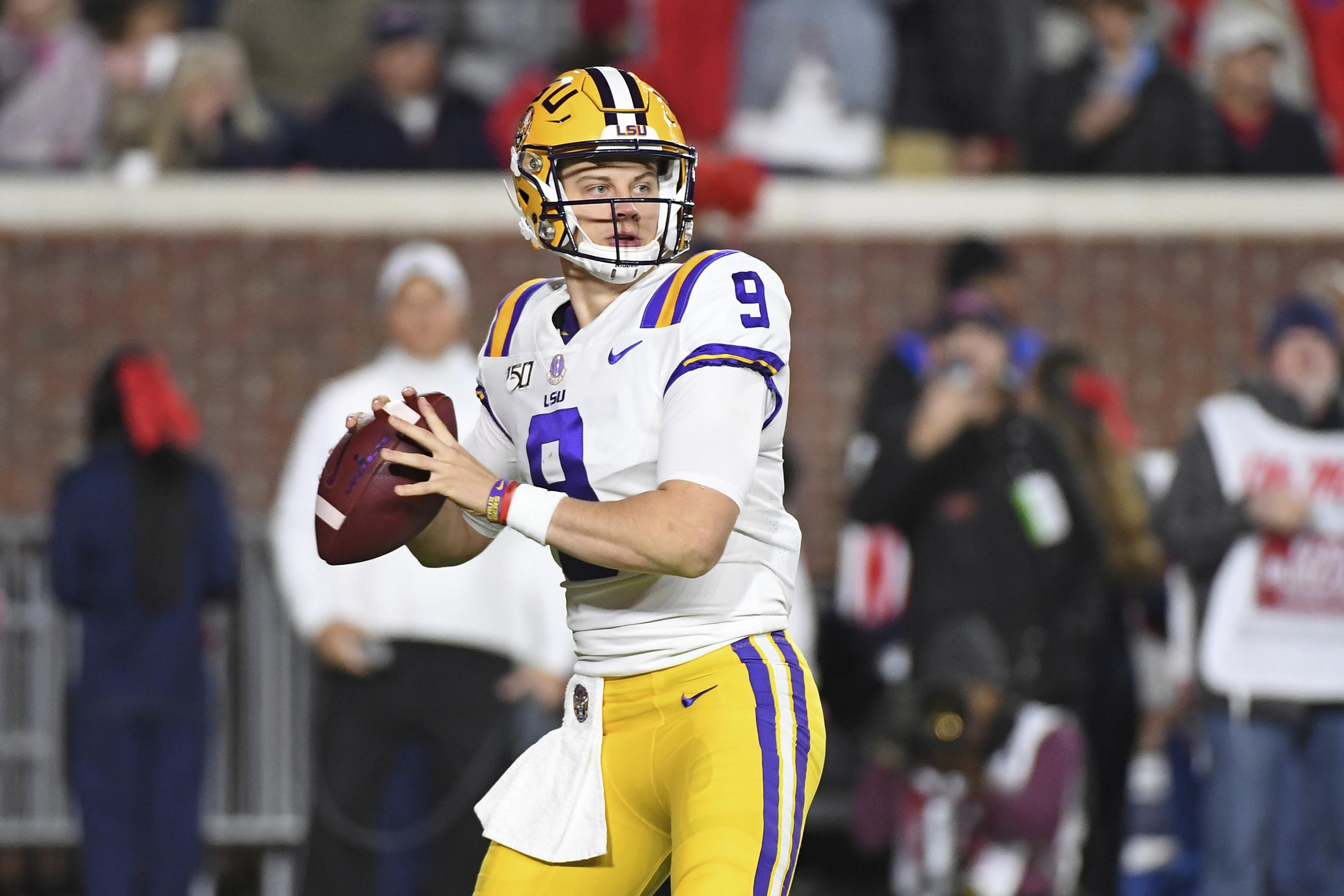 Bowl Games 2019 20 Schedule Tv Info And Predictions For All Games Bleacher Report Latest News Videos And Highlights
