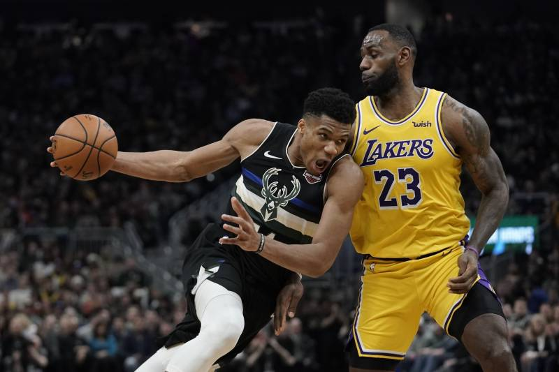Lakers vs. Bucks takeaways: Giannis Antetokounmpo shows off improved shooting stroke in statement win