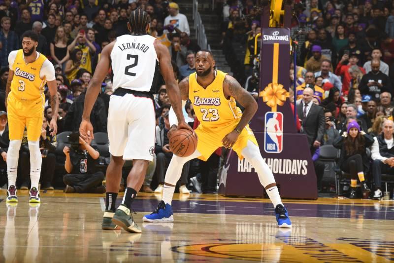 Kawhi Leonard Leads Clippers To Xmas Win Vs Lebron James