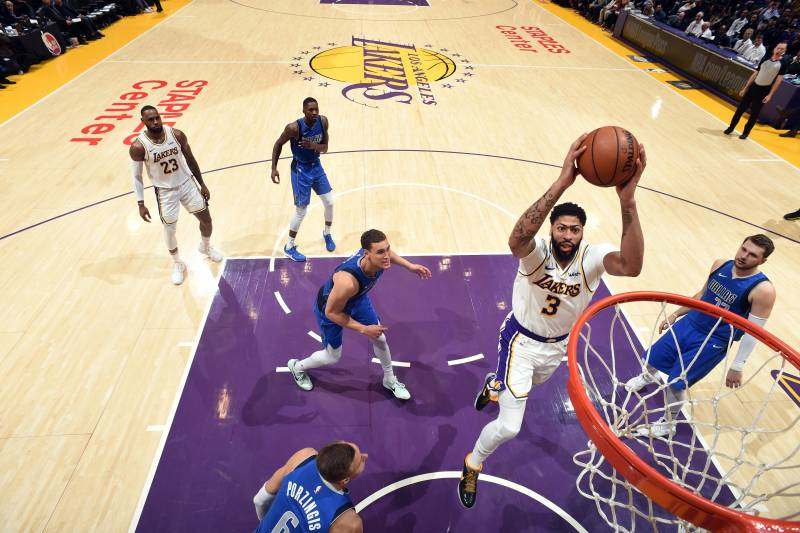 Anthony Davis Lakers Breeze Past Luka Doncic Mavs Despite