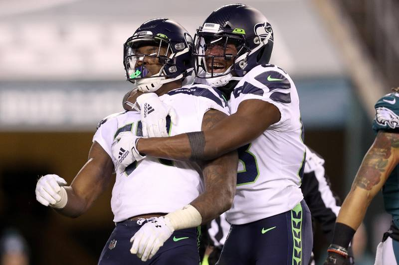 Russell Wilson Seahawks Beat Eagles Amid Carson Wentz Injury Will Play Packers Bleacher Report Latest News Videos And Highlights