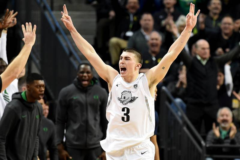 Oregon's senior point guard, Payton Pritchard had a solid game, as he and his team gritted out a tough win to defeat Arizona in overtime.  (Photo: Steve Dykes/Getty Images, via Bleacher Report.)