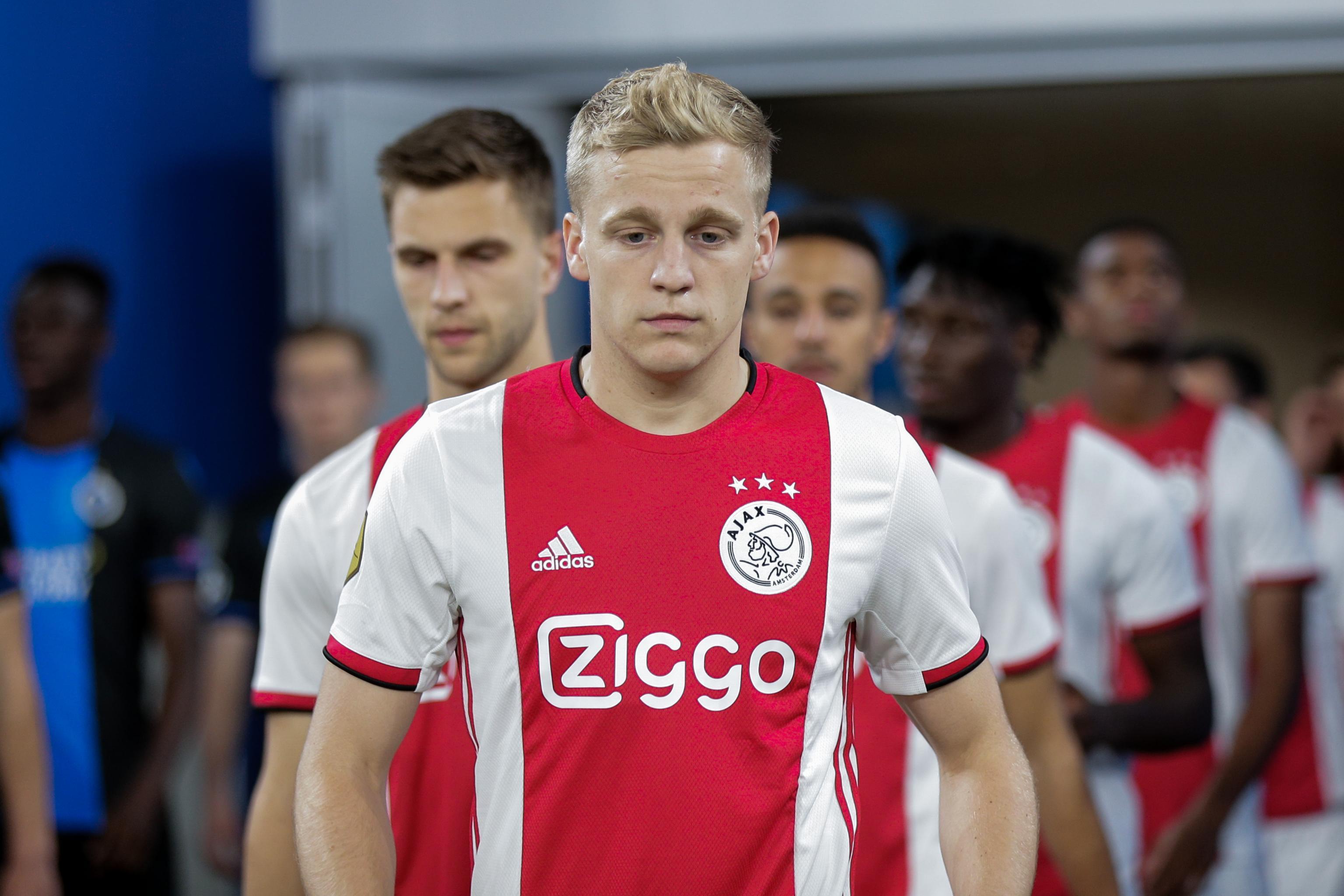 Donny Van De Beek Dismisses Ajax Exit Talk Amid Manchester United Rumours Bleacher Report Latest News Videos And Highlights