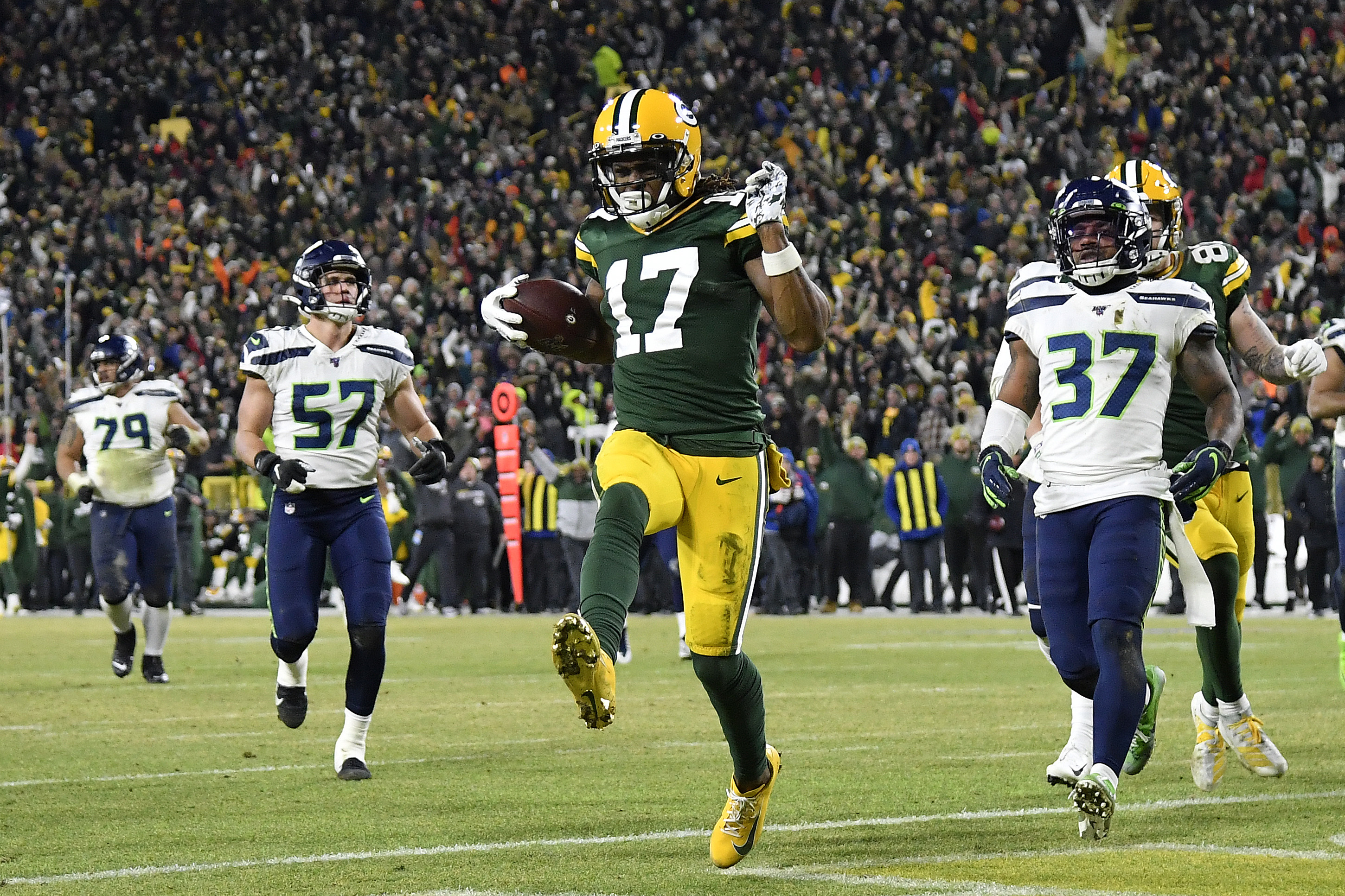Look: Packers' Davante Adams Tells Critics of 1st-Down Call to ...