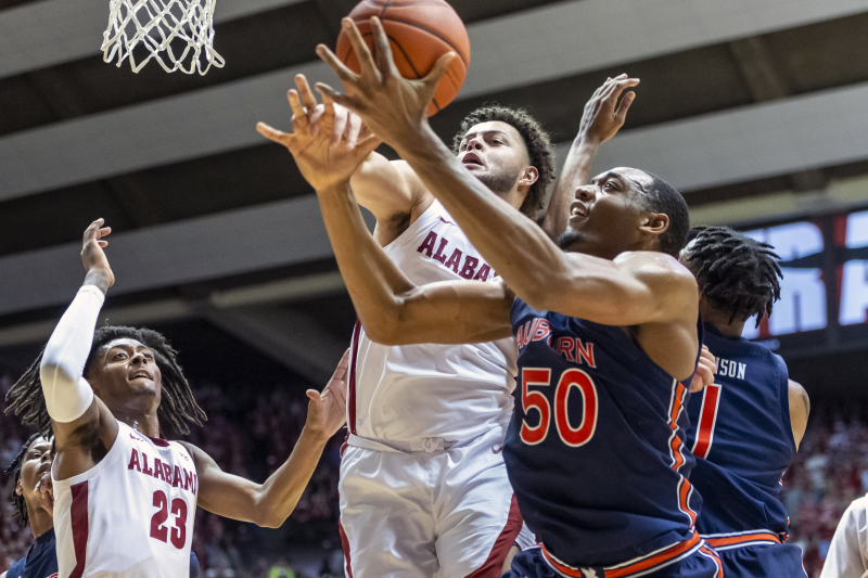 No. 4 Auburn's Undefeated Season Ends in Upset vs. Unranked Alabama