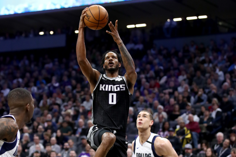 Report: Trevor Ariza Traded to Blazers from Kings for Kent Bazemore, Picks