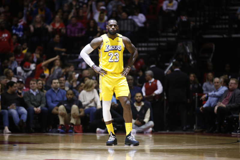 LeBron James' MVP Play Carrying Los Angeles Lakers in Anthony Davis' Absence