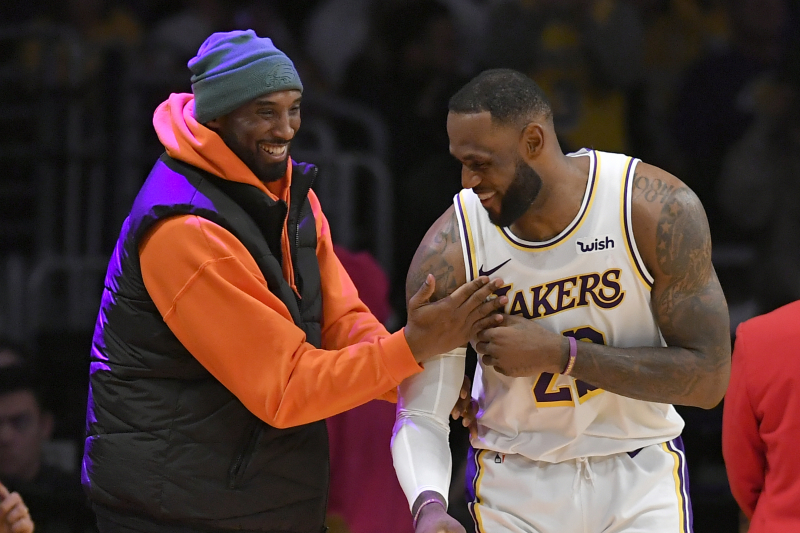 Kobe Bryant Congratulates LeBron After Lakers Star Passes Him on Scoring List