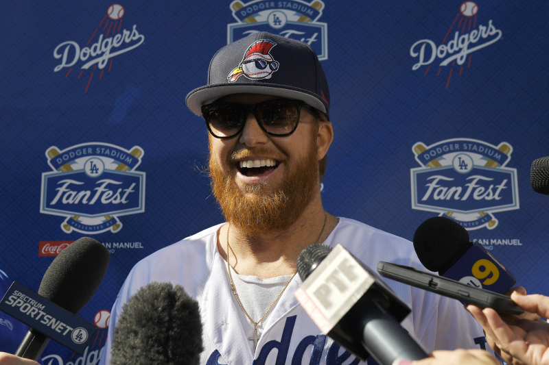 Justin Turner Says Dodgers 'Don't Want a Fake Banner Hanging in Our Stadium'