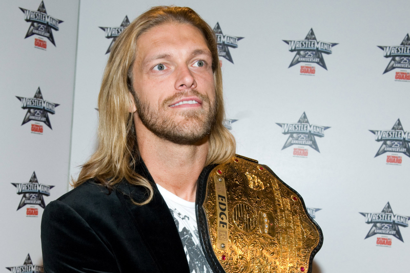 Edge Makes Stunning Return as No. 21 Entrant at 2020 WWE Royal Rumble