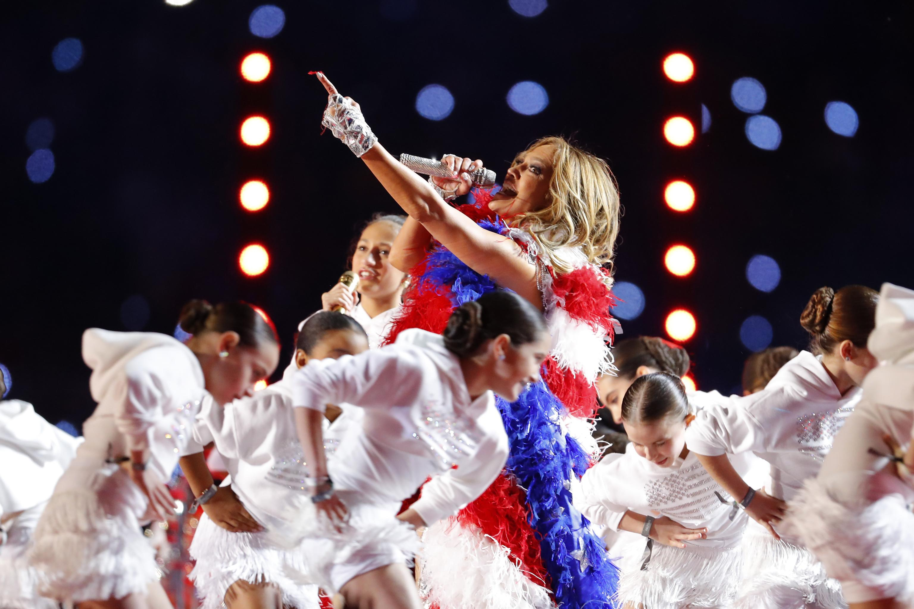 Super Bowl Halftime Show 2020 Twitter Reacts To J Lo Shakira Performance Bleacher Report Latest News Videos And Highlights