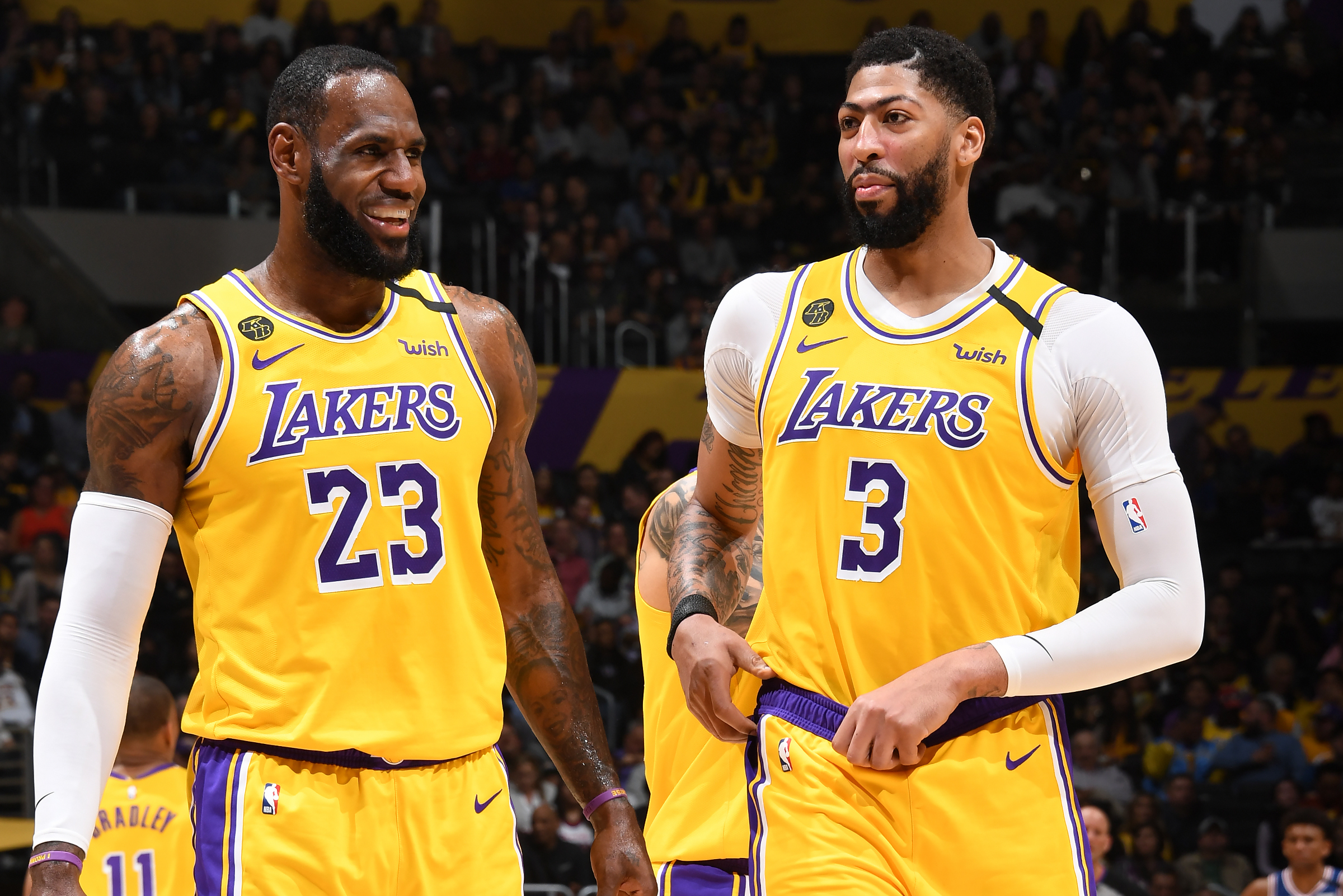 Lakers' Anthony Davis: LeBron James Deserves 2019-20 NBA MVP Award over Giannis | Bleacher Report | Latest News, Videos and Highlights
