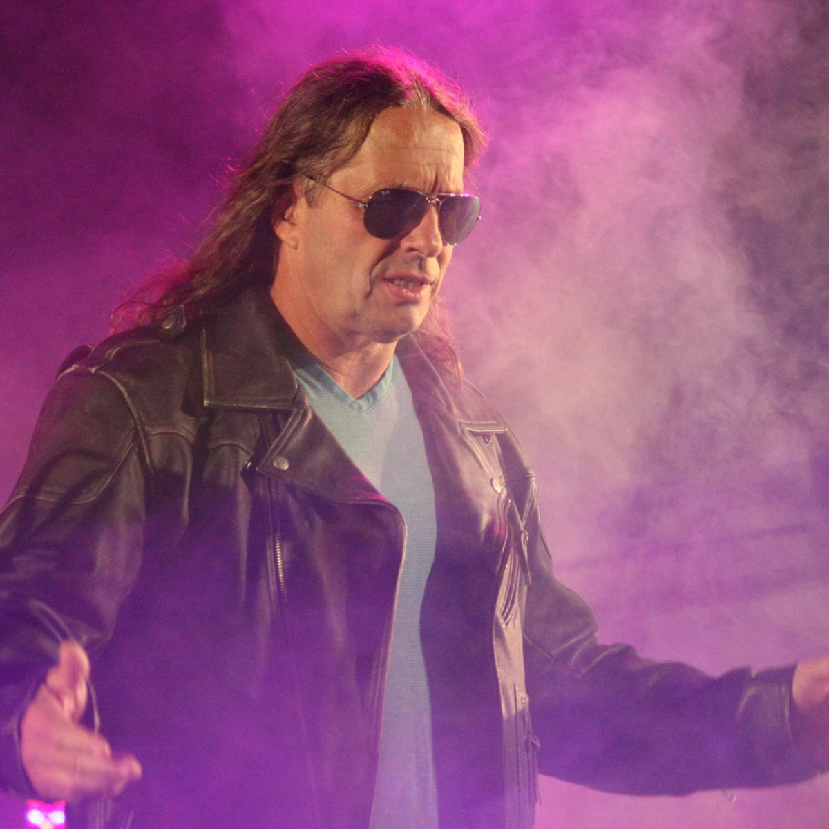 Bret Hart Rips Hulk Hogan; Foley on Cena's Last Match; Jeff Hardy, Paige Update