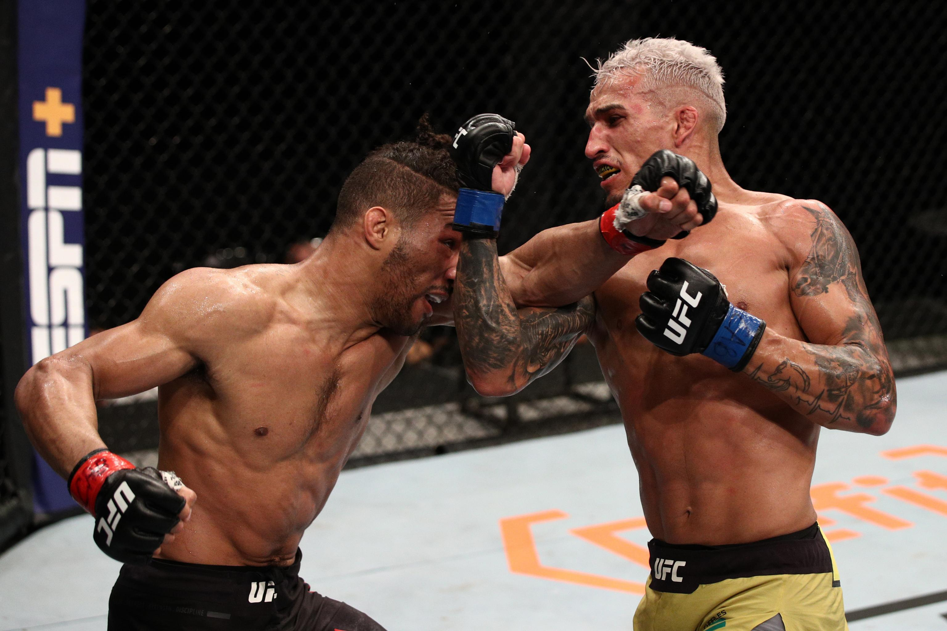 Ufc Fight Night 170 Results Charles Oliveira Upsets Kevin Lee Via Submission Bleacher Report Latest News Videos And Highlights