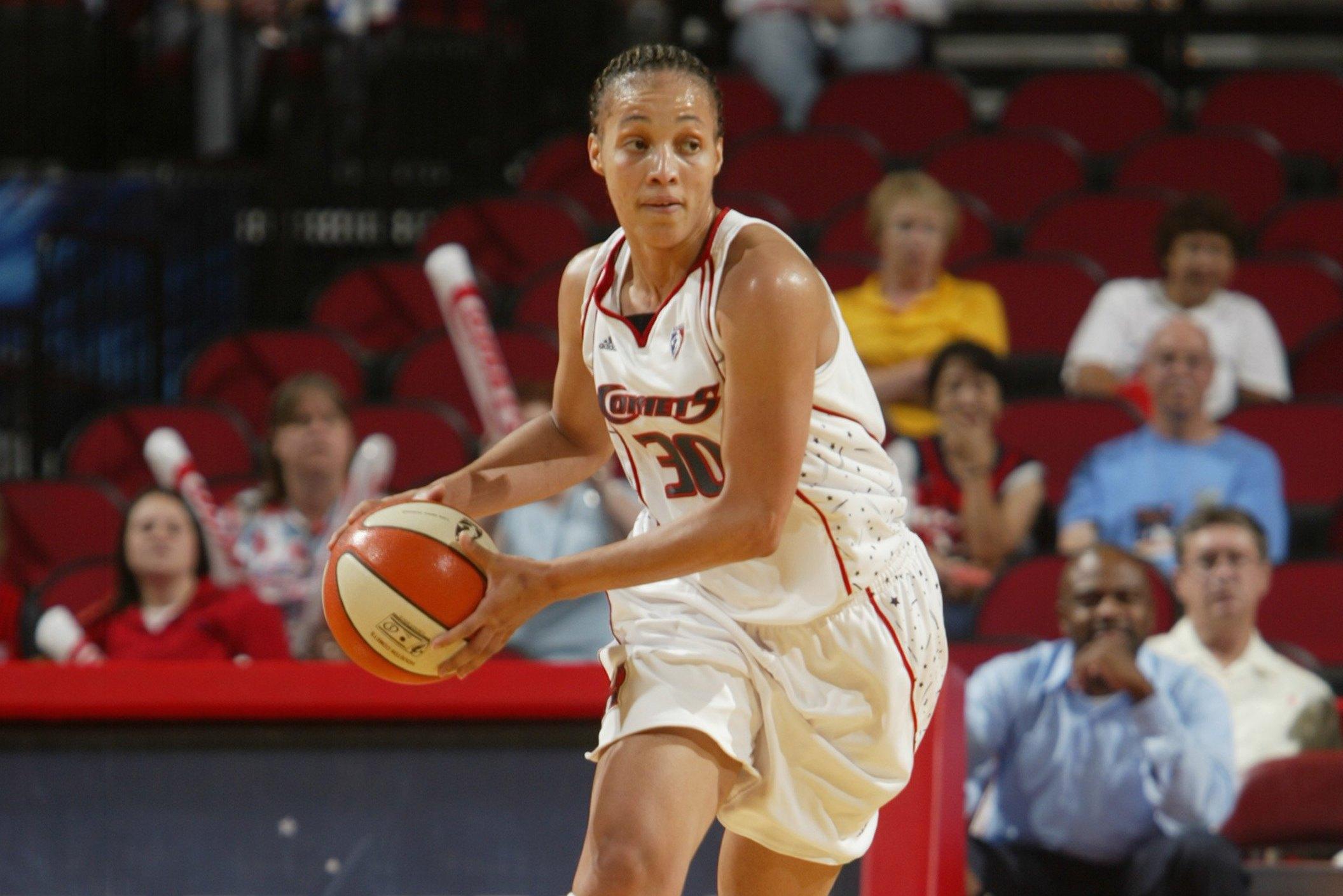 Ex-WNBA Player Tamara Moore Becomes Only Female HC at Men's CBB ...