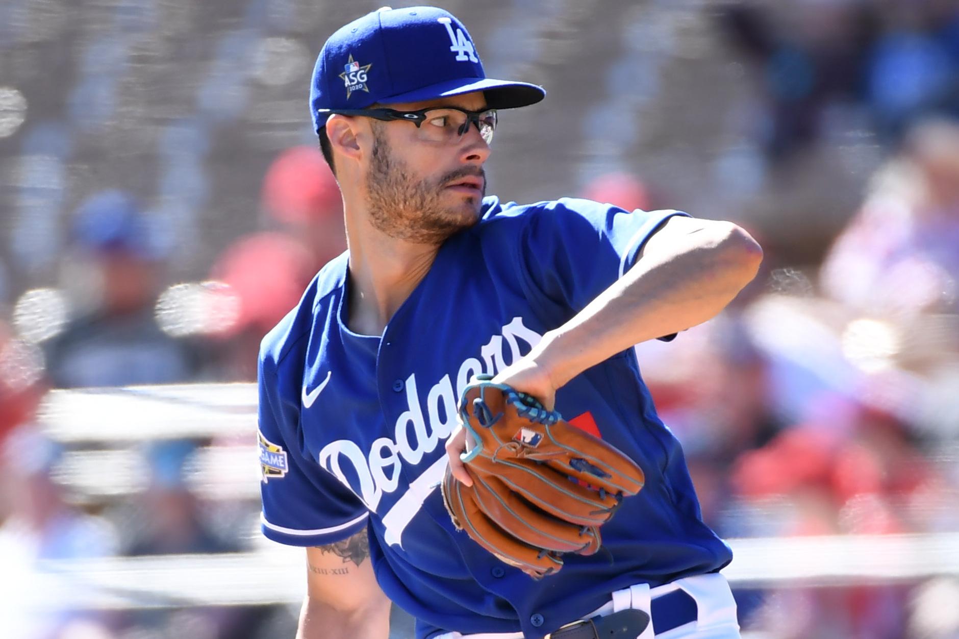 Dodgers Joe Kelly Breaks Window Throwing In Backyard On Instagram Video Bleacher Report Latest News Videos And Highlights