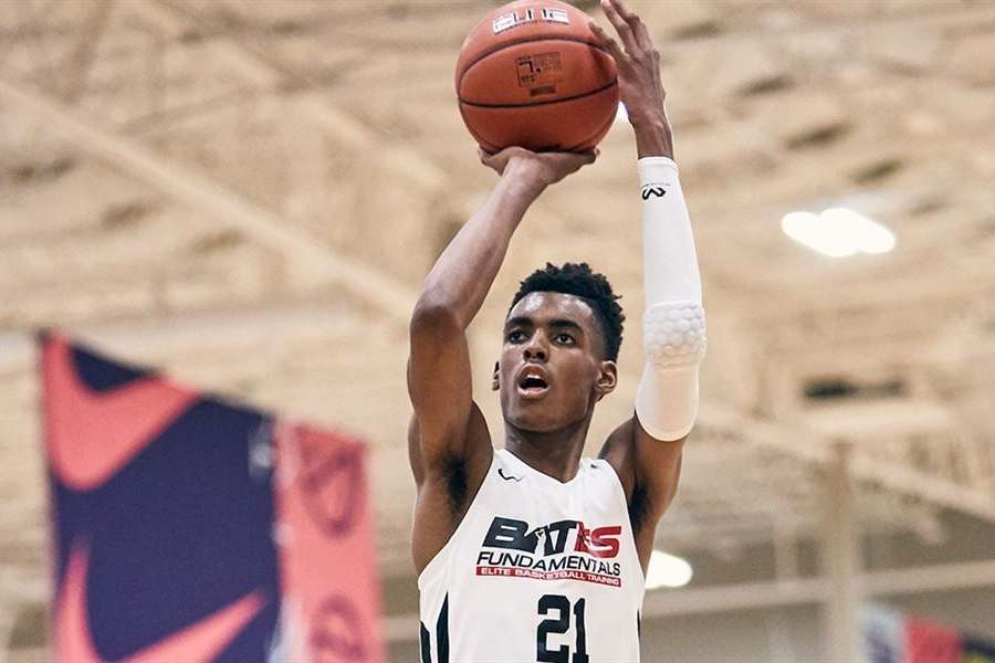 5 Star Sf Emoni Bates Commits To Michigan State Ranked No 1 In Class Of 2022 Bleacher Report Latest News Videos And Highlights