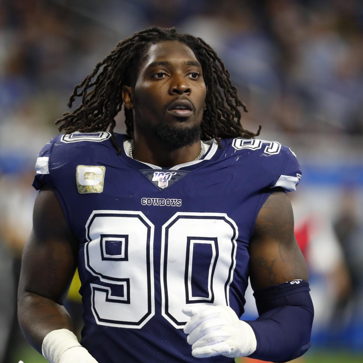 Cowboys' DeMarcus Lawrence Unsure If He'll Report to Training Camp Amid COVID-19 thumbnail