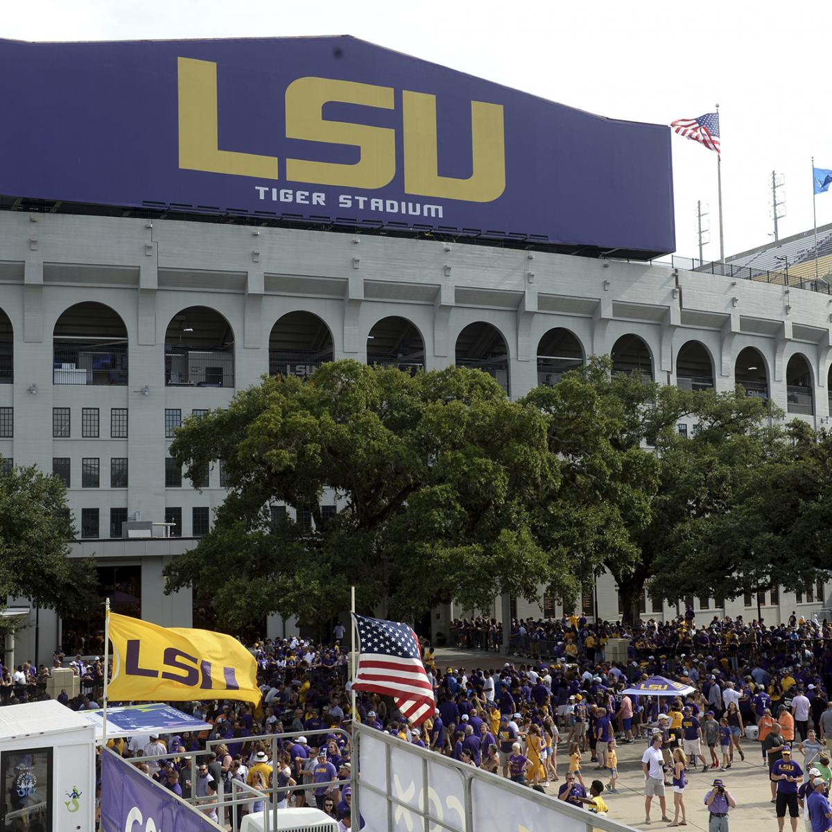 LSU Bans Tailgating Season, Sets Stadium Capacity at 26,000 Fans Amid COVID-19 thumbnail