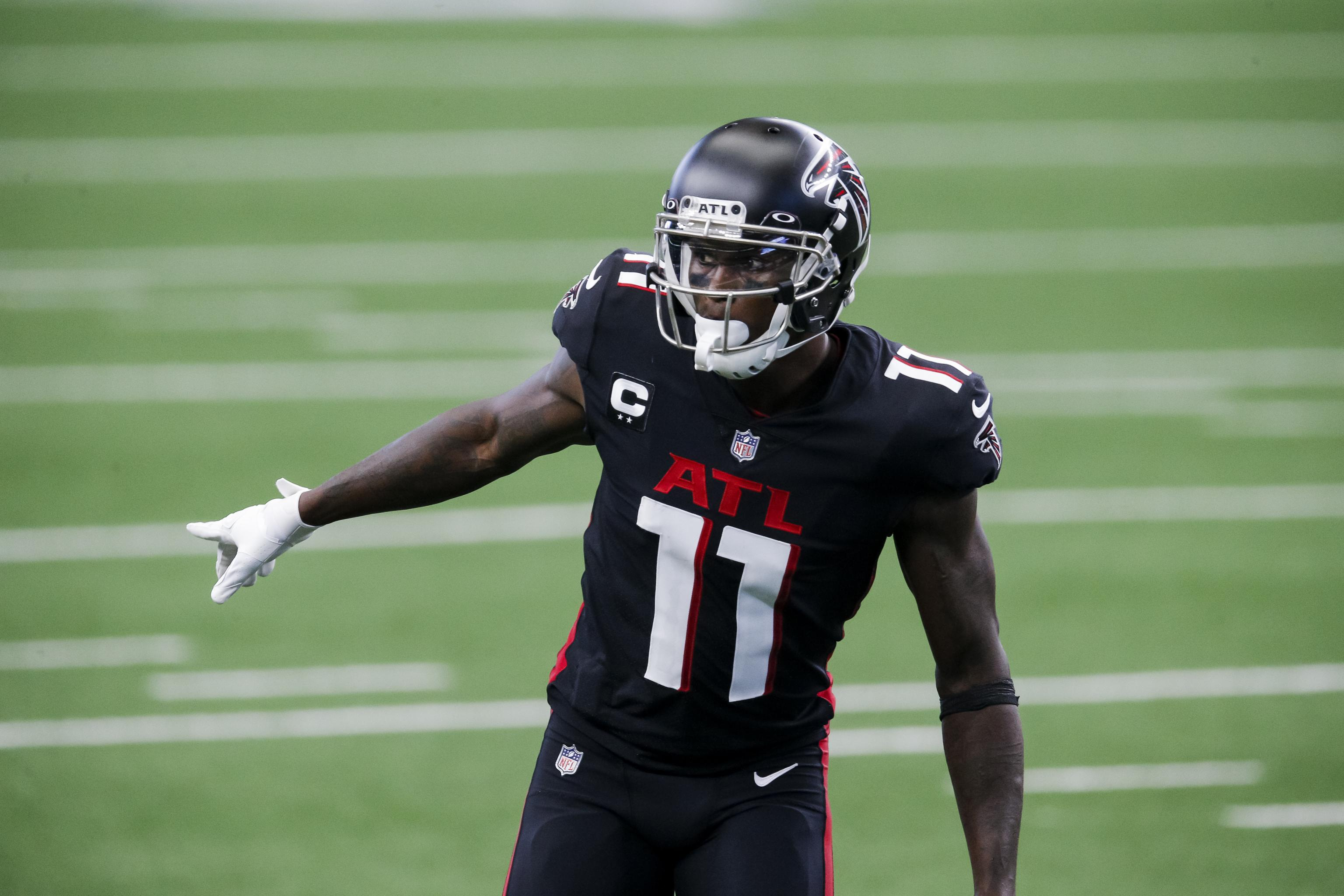 Report Julio Jones Status For Falcons Vs Bears Up In The Air After Injury Bleacher Report Latest News Videos And Highlights
