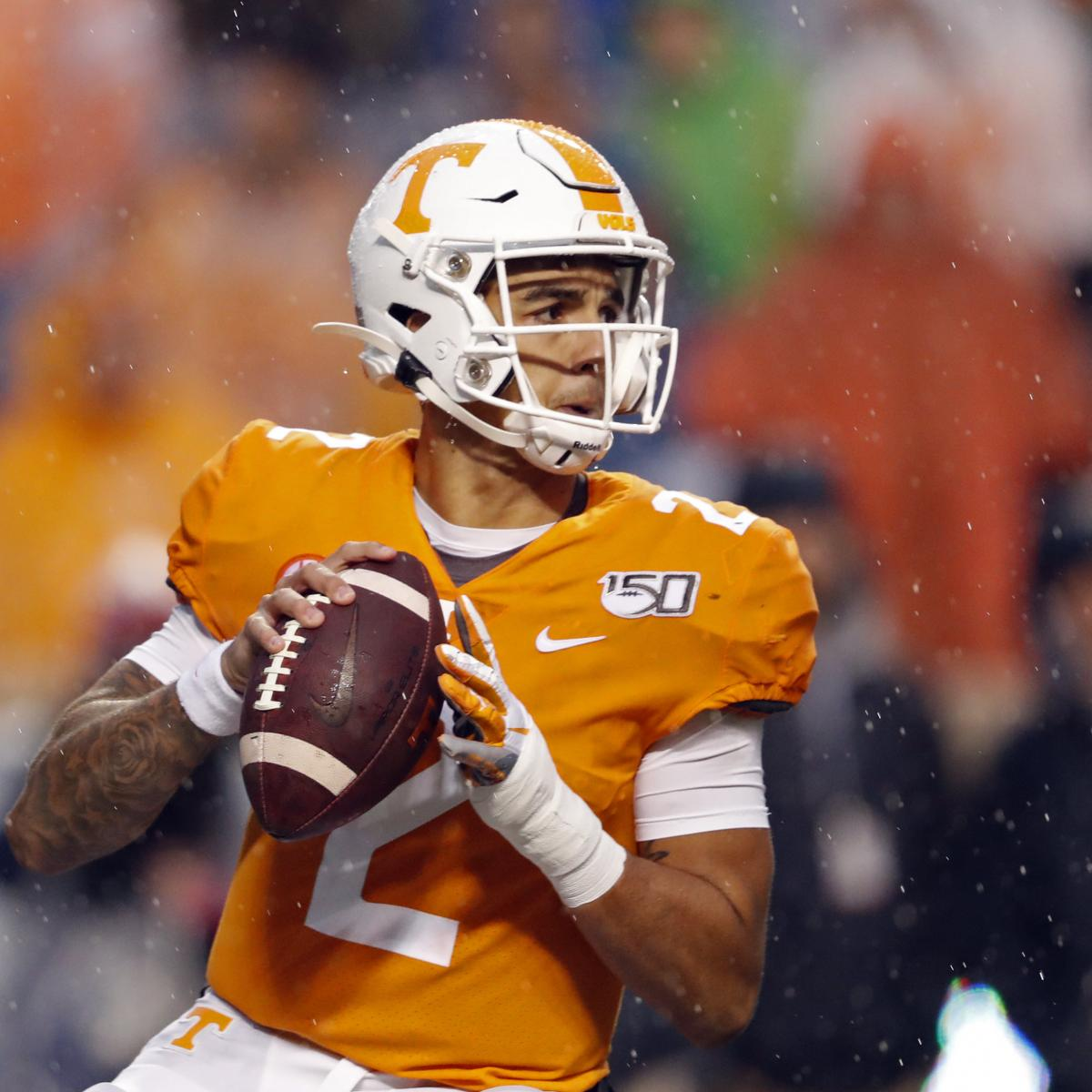 Tennessee's Jarrett Guarantano Benched Briefly After 2 Pick-Sixes vs. Kentucky
