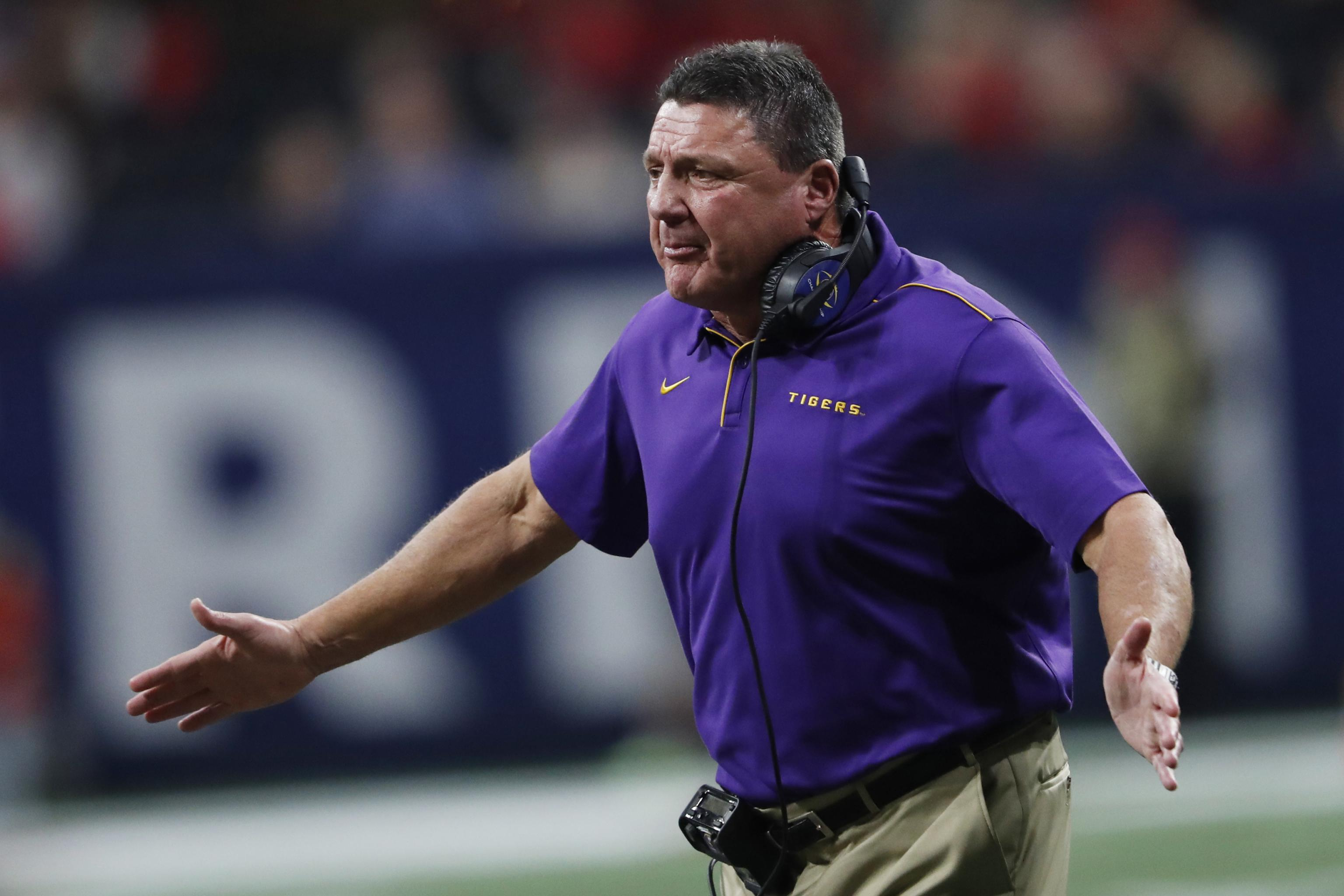 LSU's Ed Orgeron Volunteers to Take $300K Pay Cut for 2021 Season | Bleacher Report | Latest News, Videos and Highlights