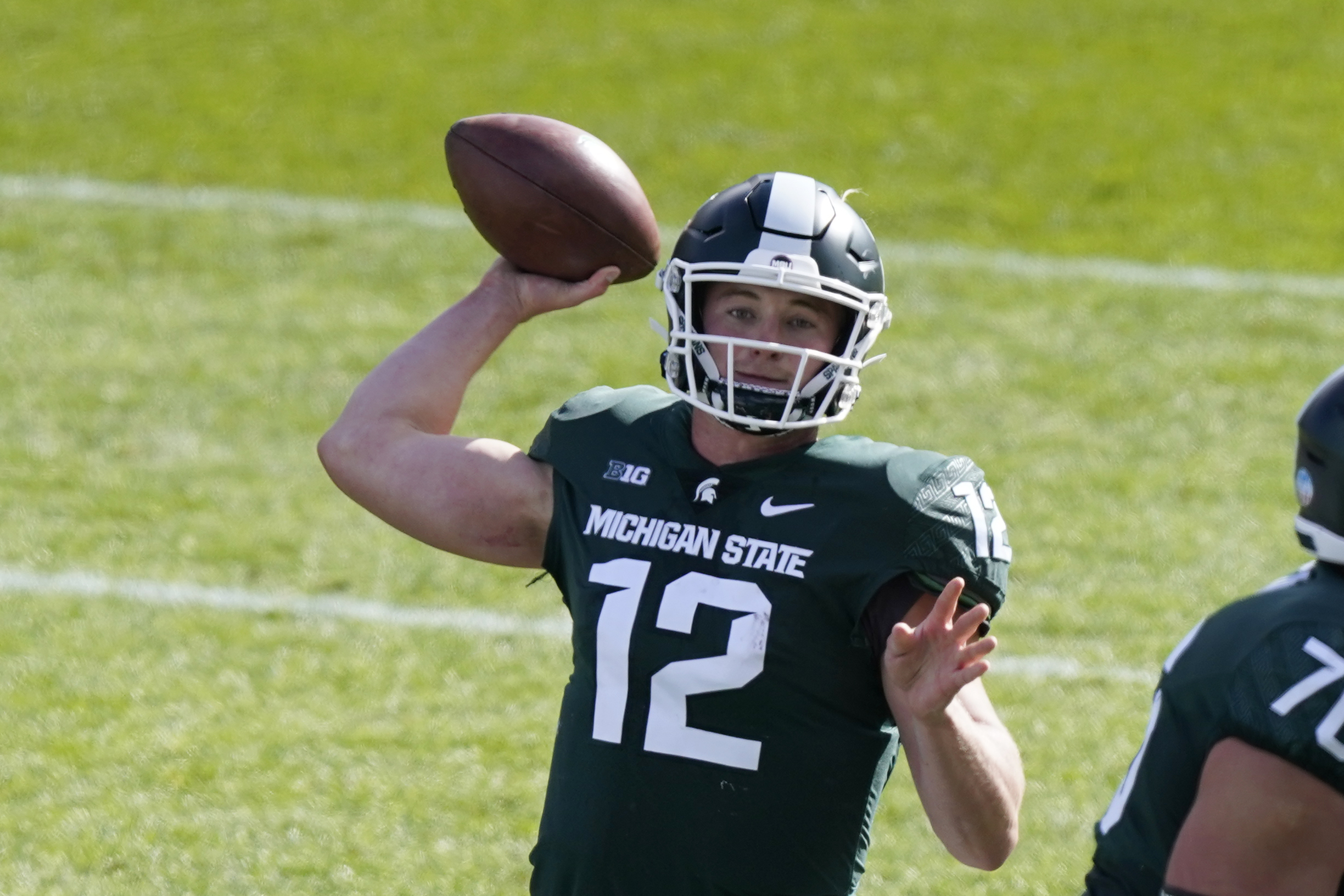Rocky Lombardi Throws 3 TDs as Unranked ...