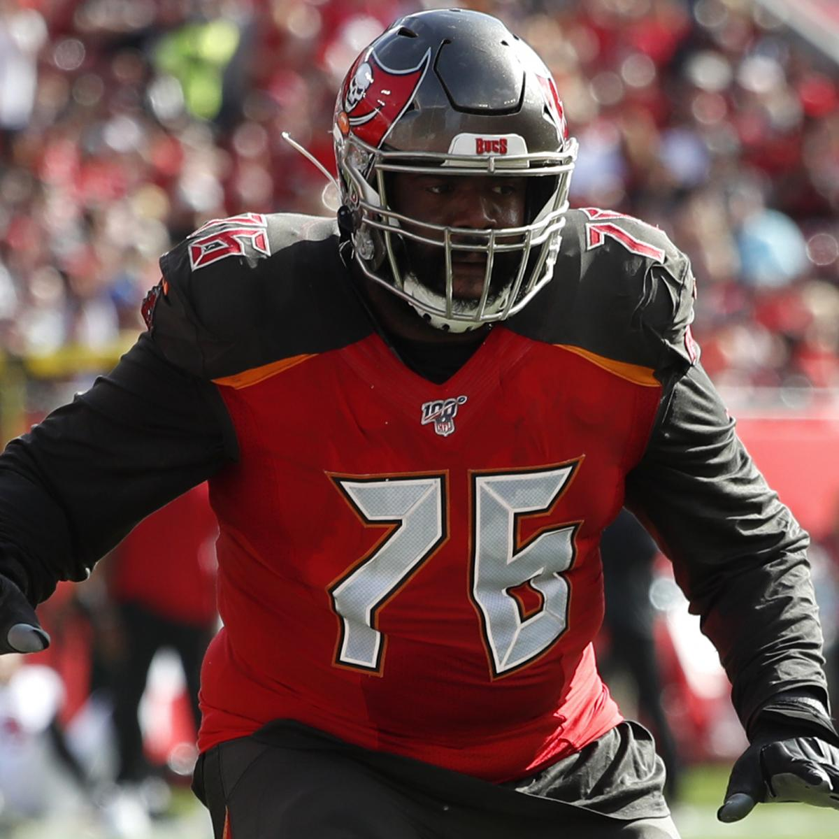 Bucs Rumors: OT Donovan Smith Agrees into 2-Year, $31.8M Contract Extension thumbnail