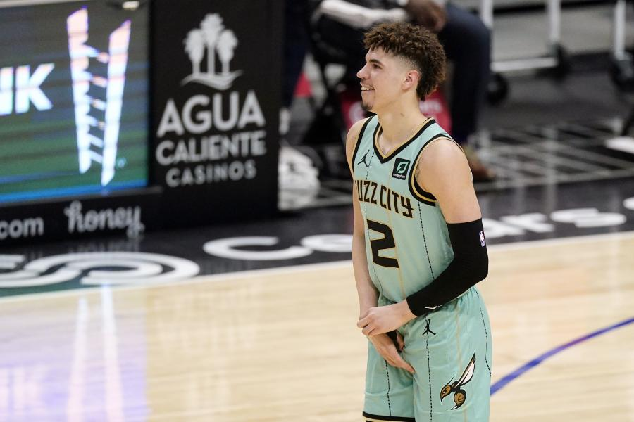 LaMelo Ball Cleared to Resume Basketball Activity After Surgery on Wrist Injury