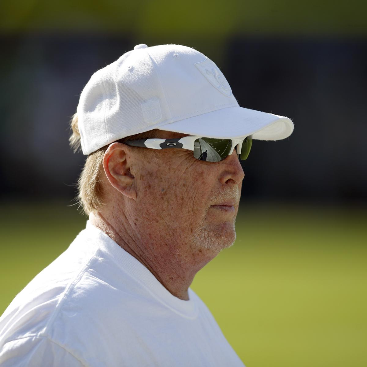 Raiders Owner Mark Davis Takes Responsibility for 'I Can Breathe' Tweet thumbnail