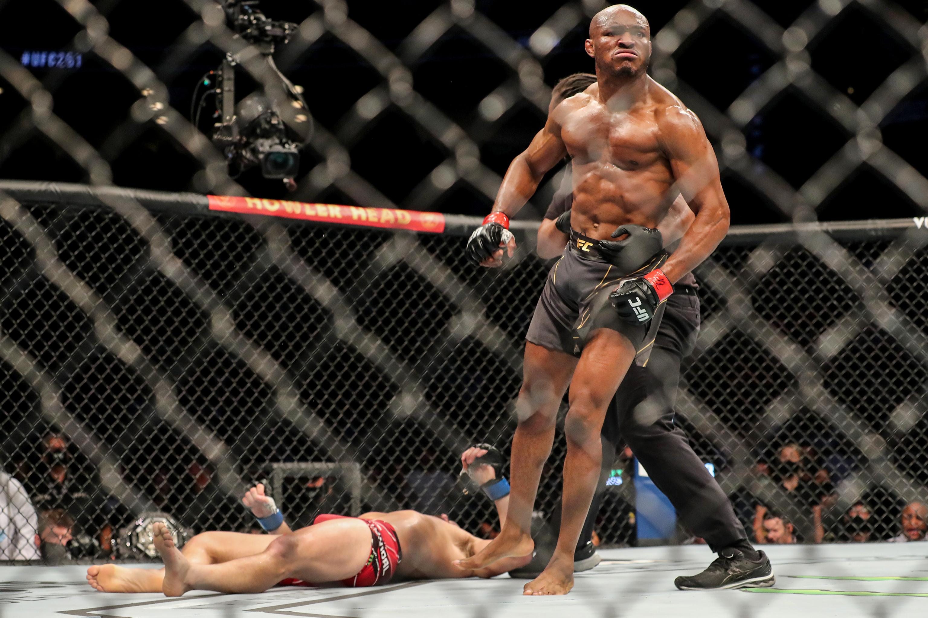 Kamaru Usman Has No Peer and Is Now Chasing GSP After Spectacular UFC 261  Win | Bleacher Report | Latest News, Videos and Highlights
