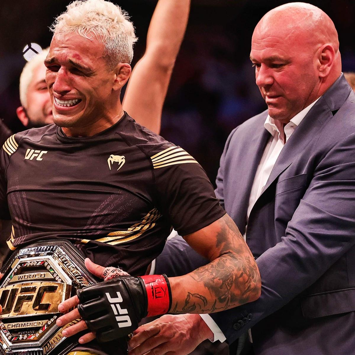 New Champ Charles Oliveira Shows He's Much More Than Just Submissions at UFC 262 thumbnail
