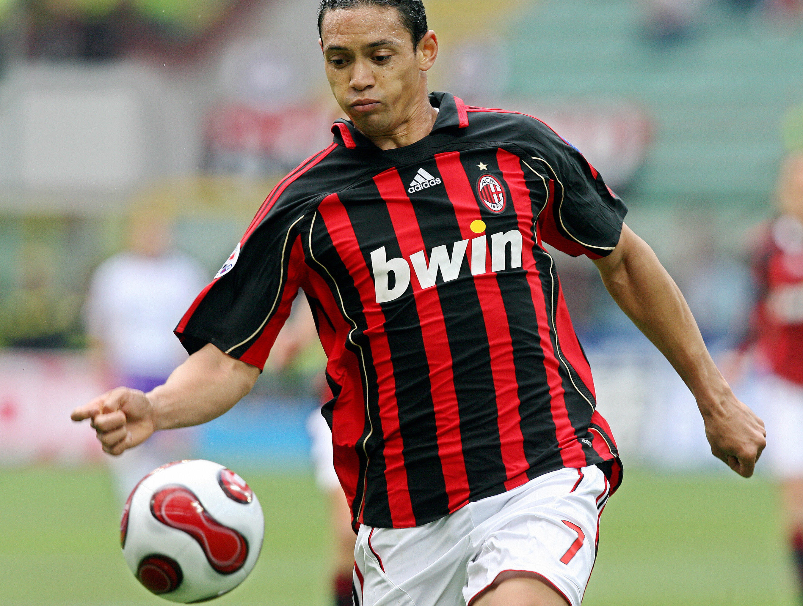 5 Ac Milan Players Of The Last 10 Years Who Never Won Over The Fans Bleacher Report Latest News Videos And Highlights